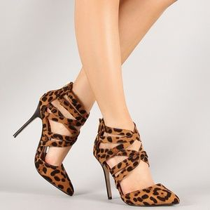 Anne Michelle Animal Print Pumps 6.5